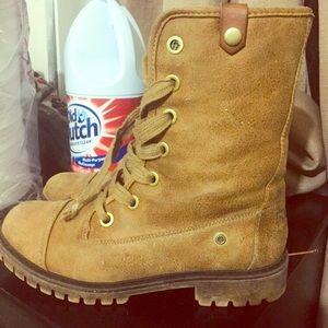 Womens Roxy boots size 8.5